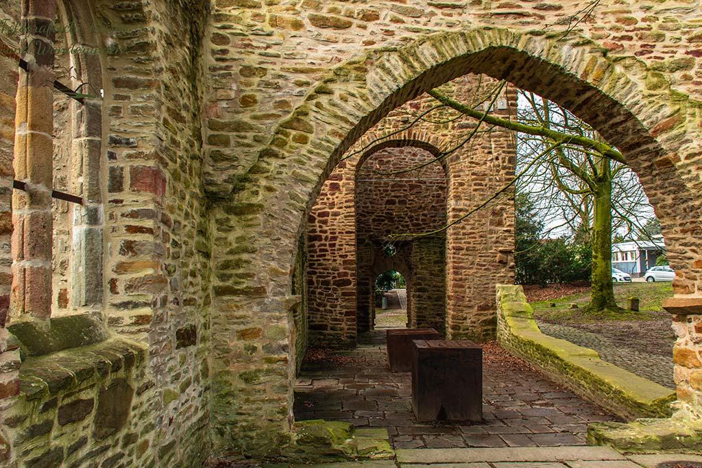 Ruine der Sylvesterkapelle - r schönste Ort in Bochum