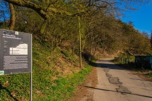 Informationstafeln zum Bergbauwanderweg in Muttental