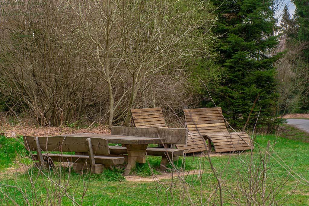 Rastplatz vor dem NAturschutzgebiet Struffelt - Eifelsteig Etappe 1