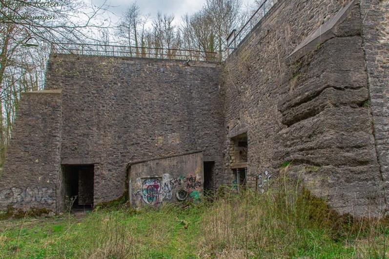 Überreste des Wahlheimer Kalksteinwerkes - Etappe 1 des Eifelsteig