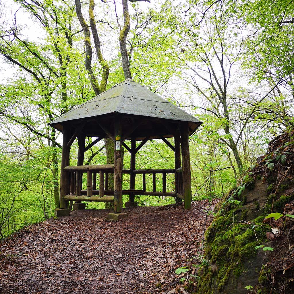 Erste Schutzhütte auf dem Eifelsteig zwischen Gemünd und Kloster Steinfeld