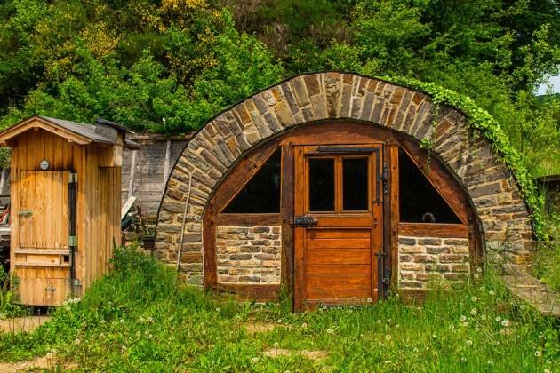 Weinkeller - Abenteuer Wanderung im Sahrbachtal