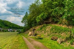 Blick zurück zum Greta Stollen - Abenteuer Wanderung im Sahrbachtal