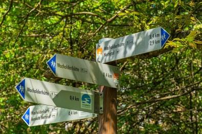 Hinweisschilder - Wacholderheide in der Eifel
