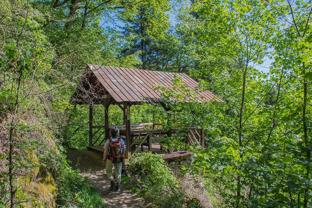 Herrliche Schutzhütte auf dem Lieserpfad