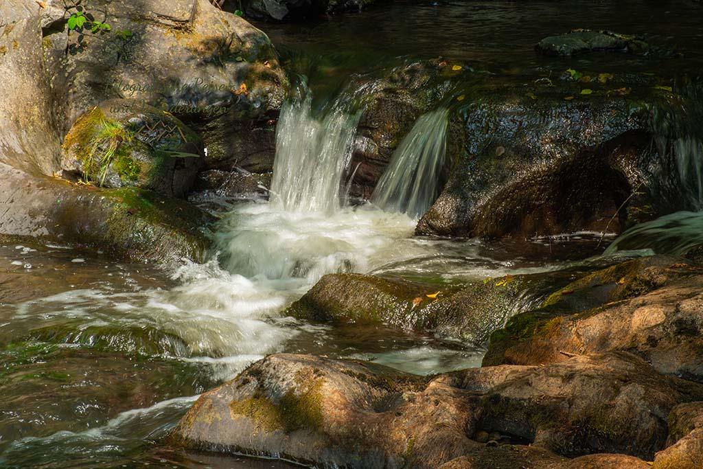 Wasserfall an der Germanenbrücke - Achtsamkeits-Pfad Kleine Kyll
