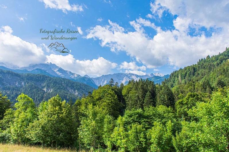 -Um die Zugspitze-Blick von der Kaiserschmarrnalm