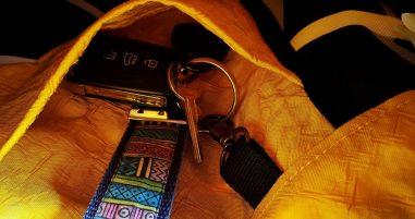 Früher Airbag - Jetzt Rucksack- Karabiner für Schlüssel
