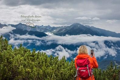 Katja mit Blick auf Seefeld - Pause vom Zugspitze wandern