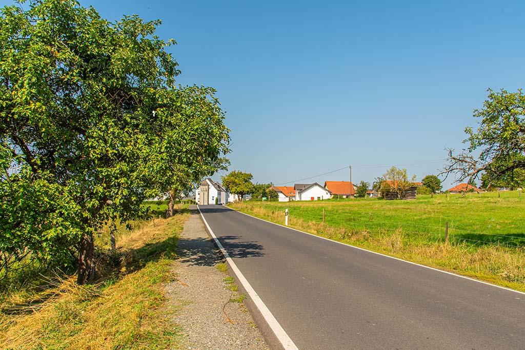 Straße nach Caan
