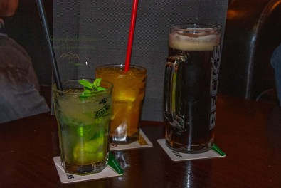 Drei Blogger an der Bar