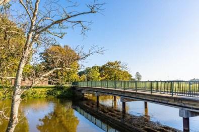 Brücke über das Neuharlinger Sieltief