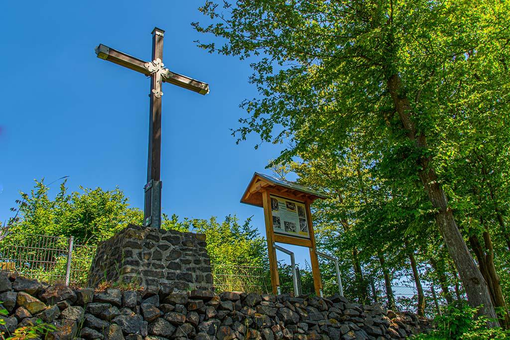 Gipfelkreuz Malberg