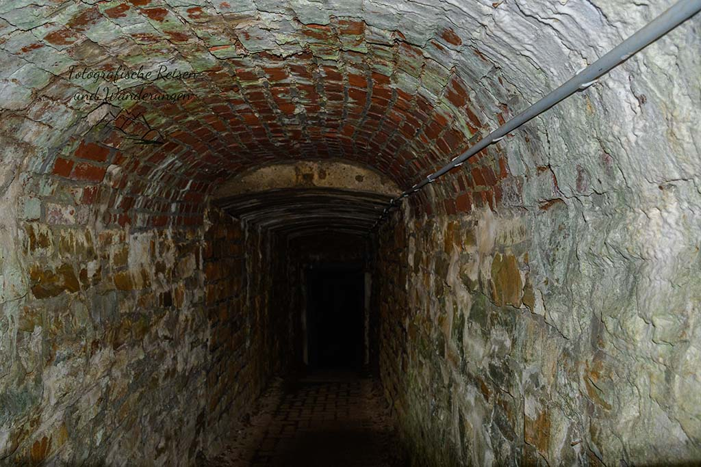 Blick in den Zugang Aggertalhöhle