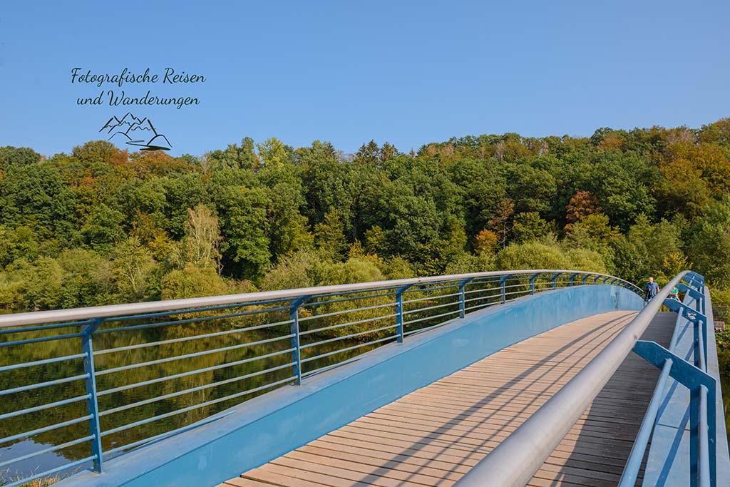 Die blaue Wupperbrücke