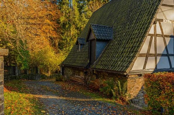 Am Wasserschloss Crottdorf