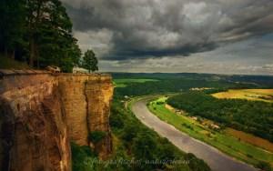 Festung Königstein mit dramatischen Wolken