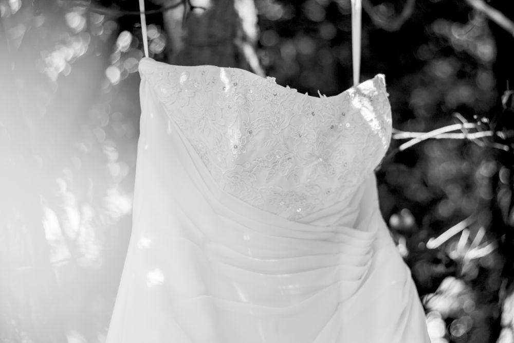 svatebni-saty-fotograf