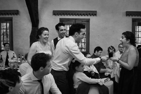Diversión en el banquete de la boda