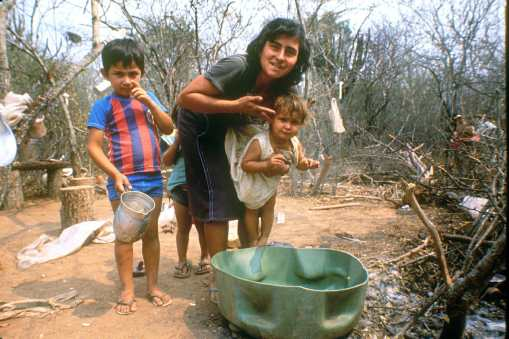 Paraguay, El Chaco, familia. Trabajador Temporal, retrato