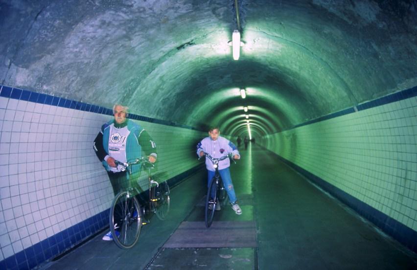 Flandes, Amberes, Túnel bajo el río Escalada