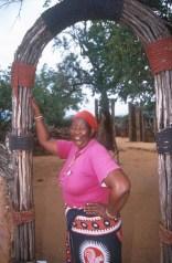 Sudáfrica, Natal Kwa-Zulu, Empangeni, poblado Zulu, mujer Sangoma