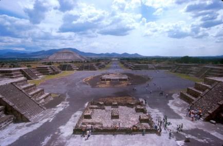 México, Teotihuacan, Pirámides de la Luna y el Sol