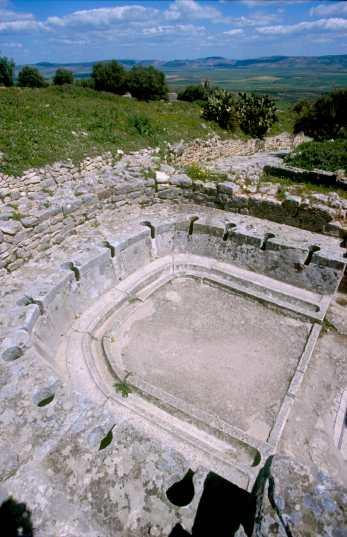 Túnez, Doga, Baño publico romano