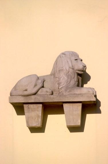 Alemania, Baja Sajonia, Hameln, escultura león Farmacia Lowe, animal, escultura