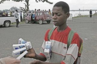 Camerún, Douala, venta ambulante