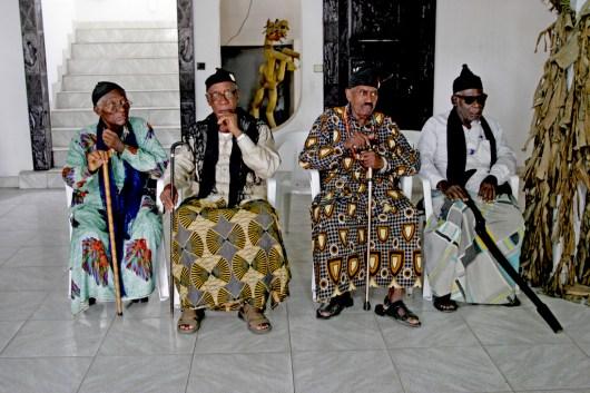 Camerún, Douala, fiesta Ngondo, Fiesta del Agua, ancianos pronostican sobre el año que comienza