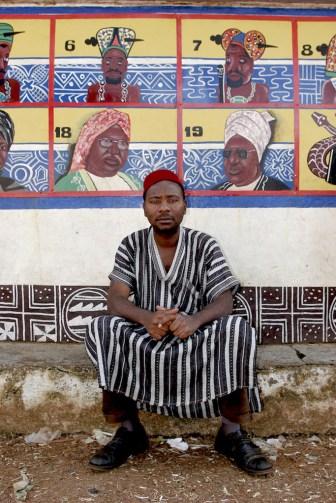 Camerún, Foumban, mural dinastía Batún, principe Yaya, retrato