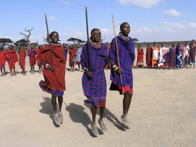 Kenya Parque Nacional Amboseli Pueblo Masai Baile.