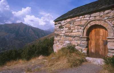 Catalunya, Alta Ribagorça, Vall de Boì, Pla de La Ermita, puerta