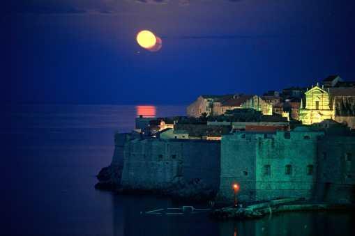 Croacia, Dubrovnik, nocturno