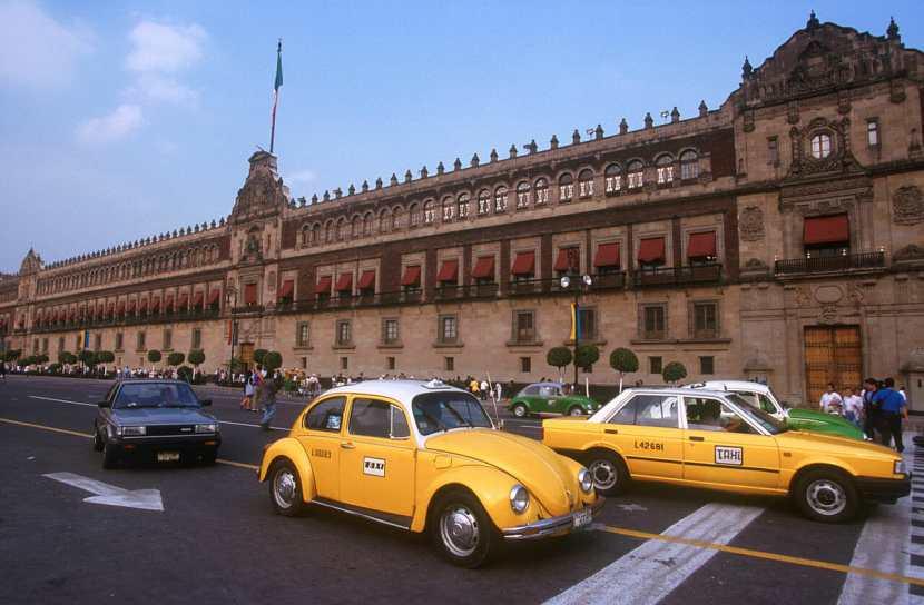 México, DF, Plaza de la Constitución