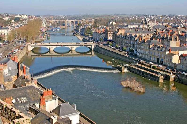 Loira Atlántico, Laval, Río Mayenne