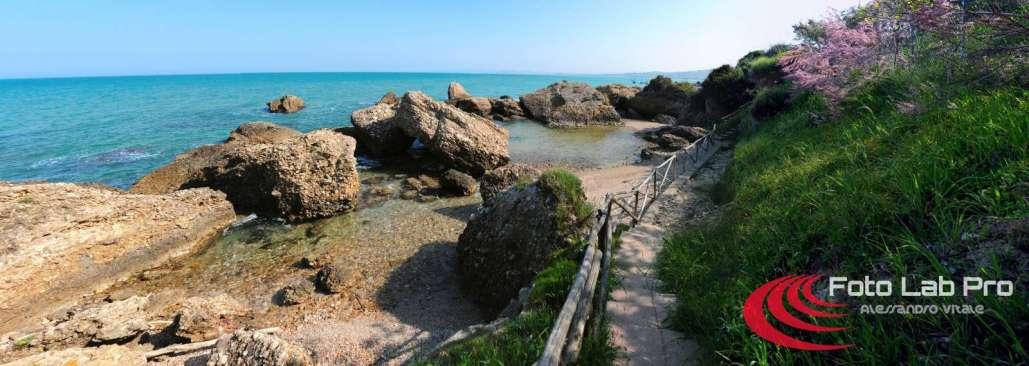 Il mare e le sue gole