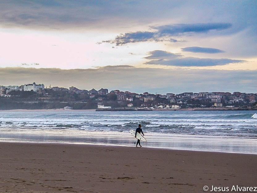 Surfer en Santander