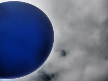 5. Hinterm Mond
