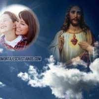 Fotomontaje con el Sagrado Corazón en el Cielo