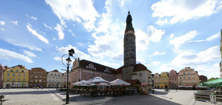 Ratusz na rynku w Bolesławcu