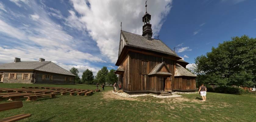 Muzeum Wsi Kieleckiej - kościół z Rogowa