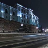 Bielsko-Biała. Zimowa noc przed Teatrem i zamkiem Sułkowskich