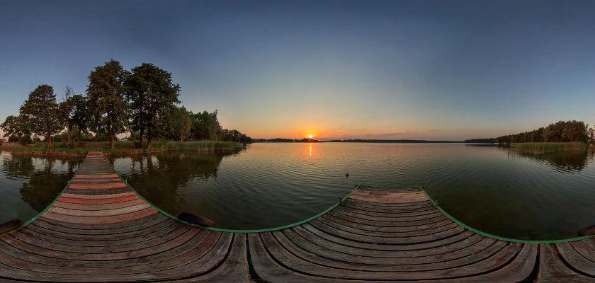 Wschód słońca nad Jeziorem Bocznym