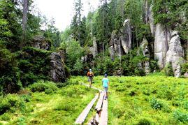 szlak łaczący skalne krainy
