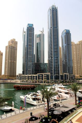 Dubaj Marina - okolice Marina Mall