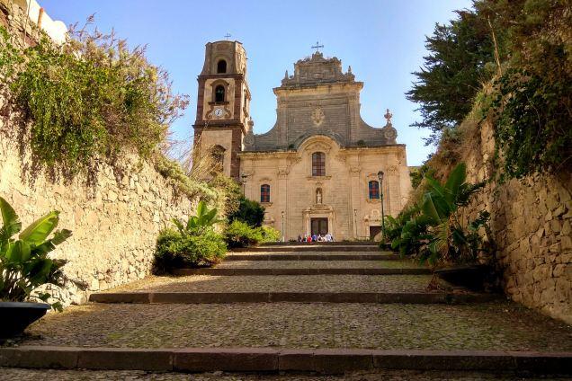 Via Castello