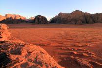 Wschód słońca w Wadi Rum