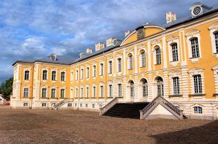 Pałac Rundale - dziedziniec wewnętrzny